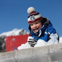 dziecko w zimie