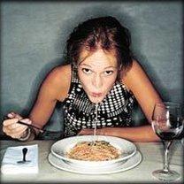Jedzenie spaghetti