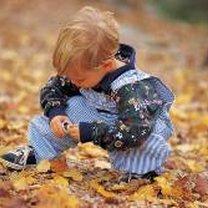 Małe dziecko, jesień