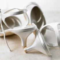 wróżby andrzejkowe -  rzucanie butami