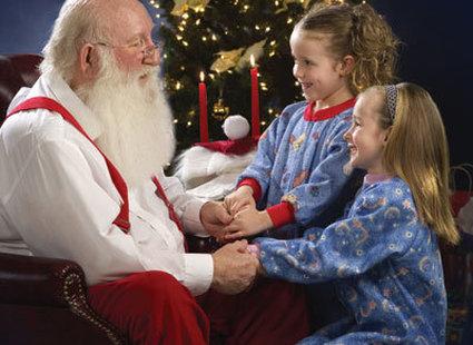 dzieci z Świętym Mikołajem