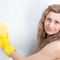 czyszczenie płytek w łazience