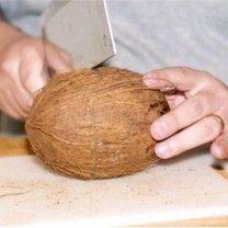 otwieranie kokosa 3