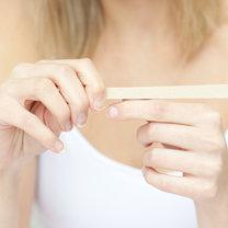ścieranie płytki paznokcia