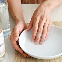 ściąganie paznokci akrylowych