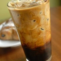 Pyszna kawa mrożona na gorące dni