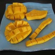 jak obrać mango?
