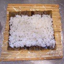 robienie sushi 3