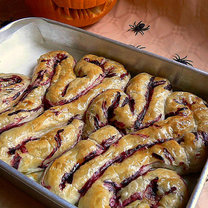 Ciasto francuskie - jelito. Przepis na Halloween.