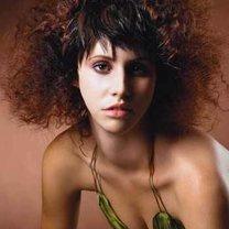 fryzura typu afro