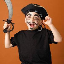 makijaż pirata - makijaż na Halloween lub bal przebierańców