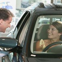 kupno samochodu, negocjowanie z dealerem, jak negocjować cenę samochodu