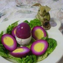 Jajka z fioletowym białkiem