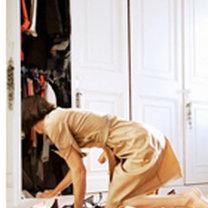 sprzątanie w szafie
