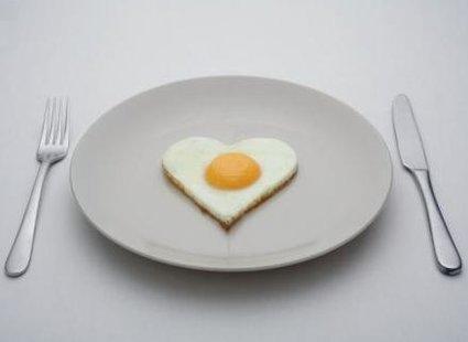 jedzenie jajek