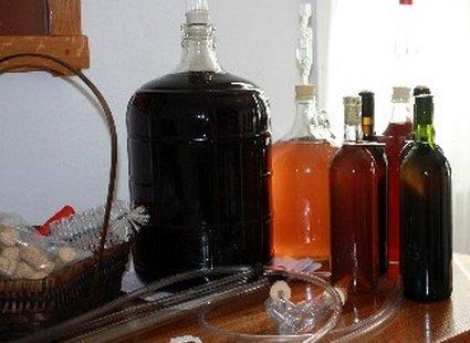 Как очистить домашнее вино от мути