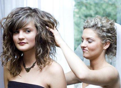 Jak Dobrać Fryzurę Na ślub Porada Tipypl