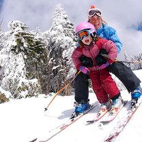 z dzieckiem na nartach