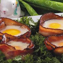 jajka w bekonie - na Wielkanoc