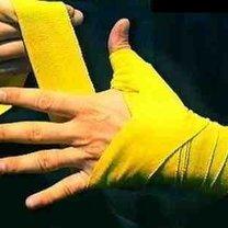 wiązanie bandaży bokserskich - krok 8.
