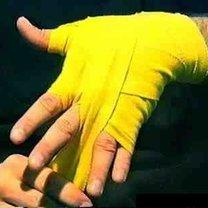 wiązanie bandaży bokserskich - krok 14.