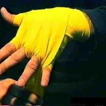 wiązanie bandaży bokserskich - krok 15.