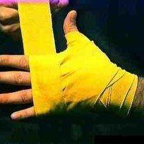 wiązanie bandaży bokserskich - krok 17.