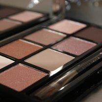 makijaż brązowych oczu - krok 1