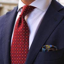 kolory ubrań - burgundowy