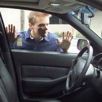zatrzaśnięcie kluczyków w samochodzie