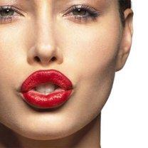 makijaż tuszujący duży nos