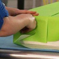 Pakowanie prezentu w papier 6