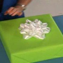 Pakowanie prezentu w papier 8