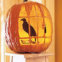 Dynia na Halloween - sęp zamknięty w klatce