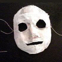 Maska z masy papierowej