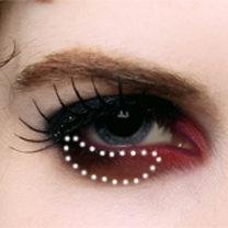 makijaż wampira - krok 3.