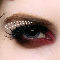 makijaż wampira - krok 6.