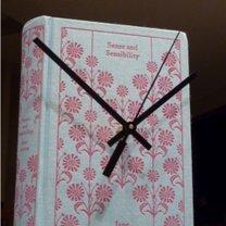 zegar z książki