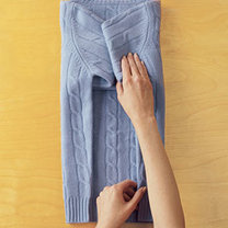 składanie swetra - krok 3.