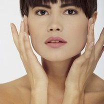 Kształt twarzy a makijaż