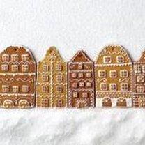 Miodowe pierniczki w kształcie domków