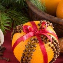 Ozdabianie mandarynek na Boże Narodzenie