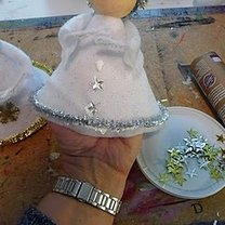 Dekorowanie sukni anioła