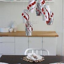 Wisząca dekoracja z rolek po papierze toaletowym