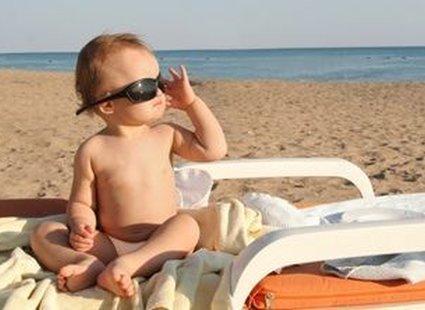 zdjęcie dziecka na plaży