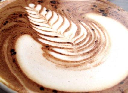 Jak zrobić wzorki na kawie?
