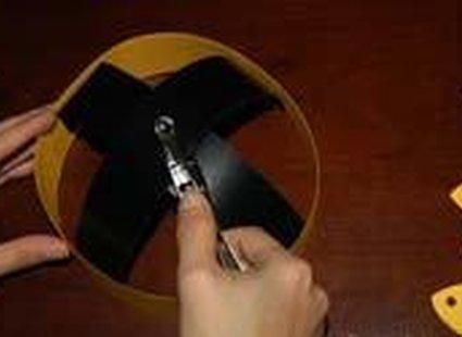 Robienie korony z papieru - 10