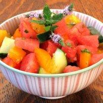 sałatka z arbuza, pomidora i ogórka