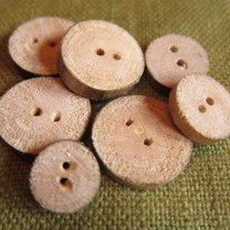 guziki z drewna
