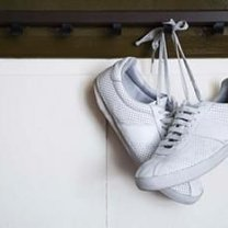Białe buty